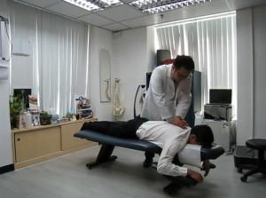 脊醫手法矯正治療